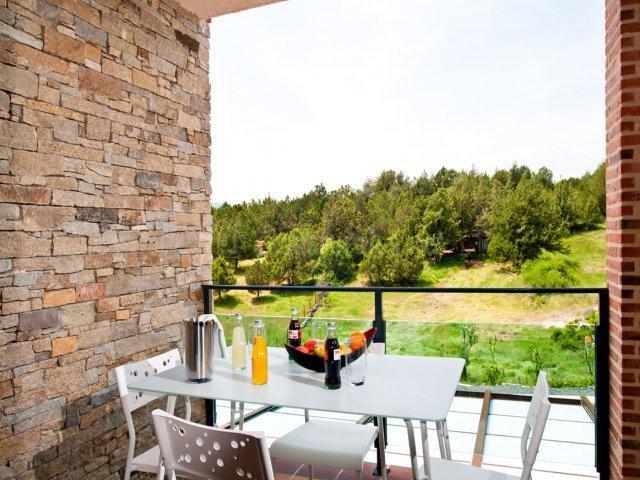 Cómo preservar la privacidad en tu terraza: revestimientos de piedra