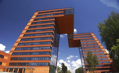 building-2359975_1920-768x471.jpg