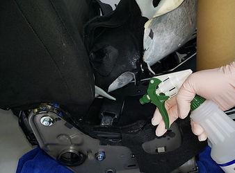 車 座席 嘔吐の消毒.jpg