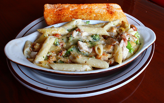 Chicken and Broccoli Alfredo Pasta