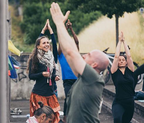 Pushpak Yoga.jpg
