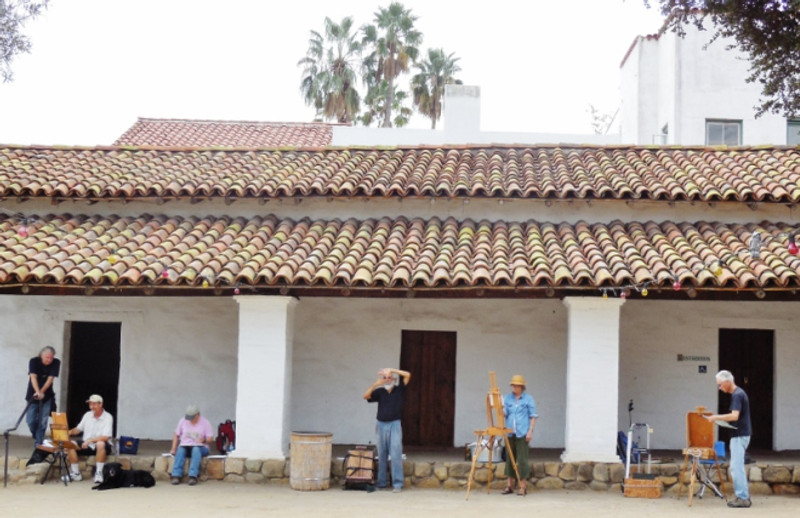 The artists prepare to paint the Casa.  Photo by Anne Petersen.