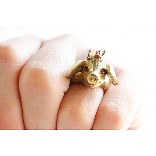 The Pig with his crown Ring
