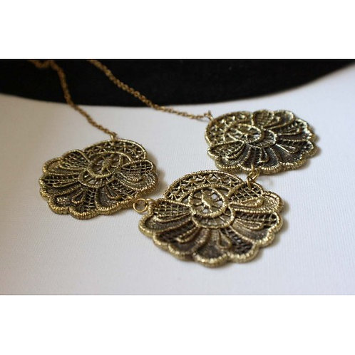 Three Lace Brass - Necklace