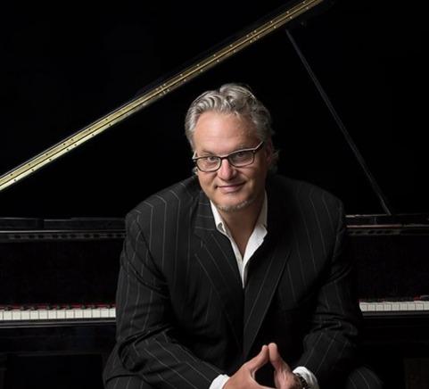 Mr. B, Piano