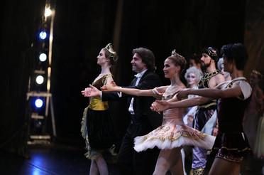 With Yekaterina Chebykina, Alina Somova and Kimin Kim (L-R), Sylvia, Mariinsky Theatre, May 2014