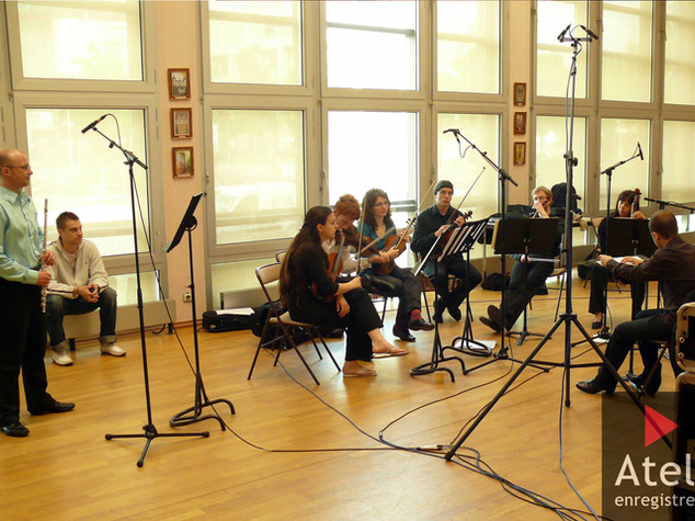 Kirsten Harma dirige et l'orchestre de c