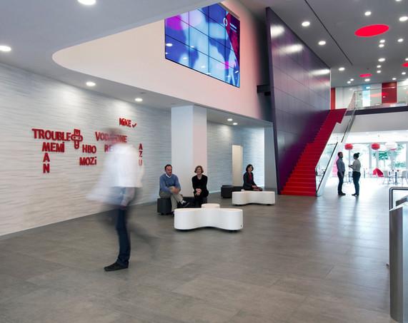 278-Vodafone-Demeter-Design-Studio-DDS_0