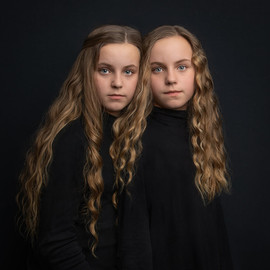 002_sussex_twins_photographer.jpg