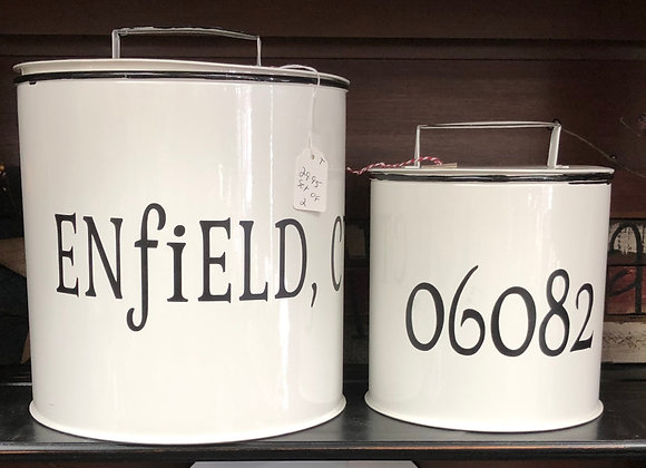 Set of two metal cans