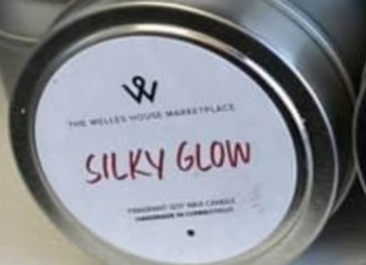 SILKY GLOW CANDLE TIN