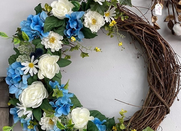 BLOOMING BLUE WREATH