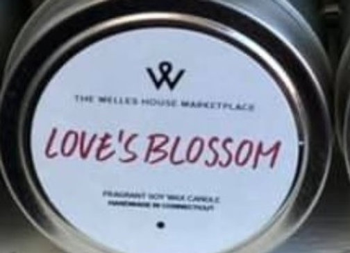 LOVE'S BLOSSOM CANDLE TIN