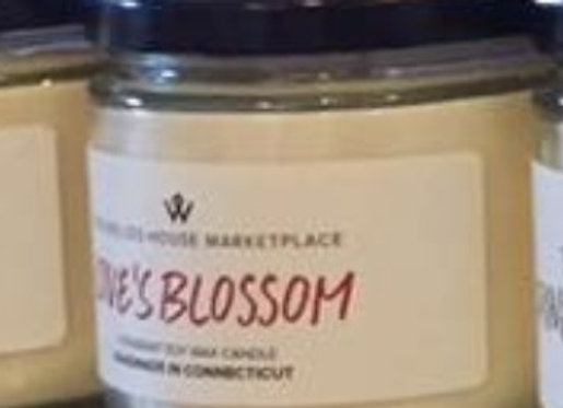 LOVE'S BLOSSOM CANDLE