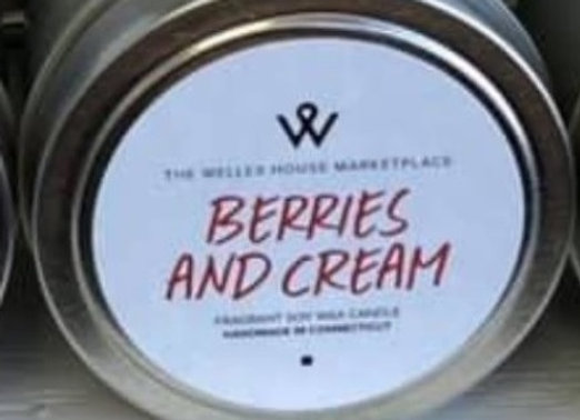 BERRIES & CREAM CANDLE TIN