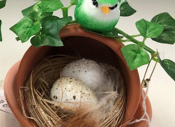 GREEN BIRD NEST FLORAL