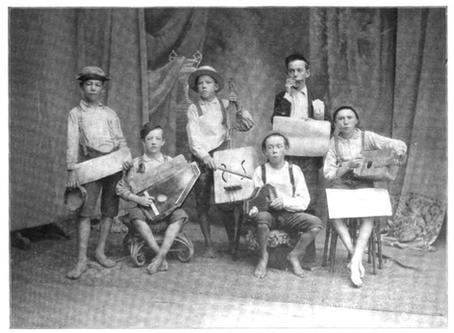 Cigar Box Guitar Heroes: Music legends and their cigar box guitars