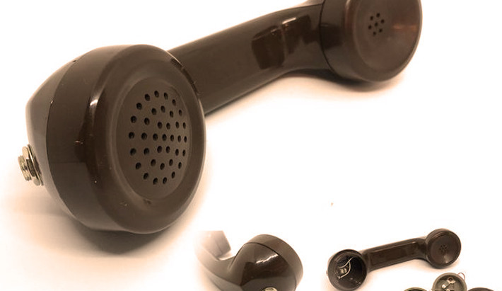 How to Make A Cool Lo-Fi Microphone from an Old Telephone