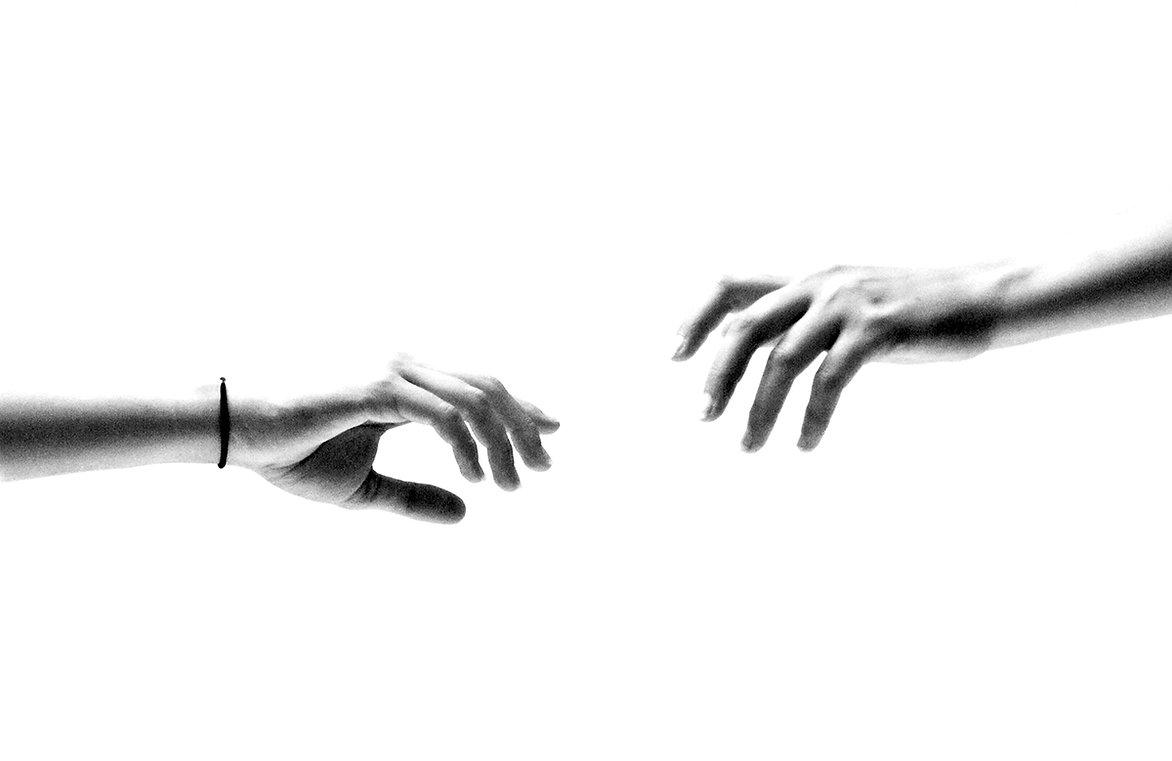 couple-of-hands-2838506.jpg