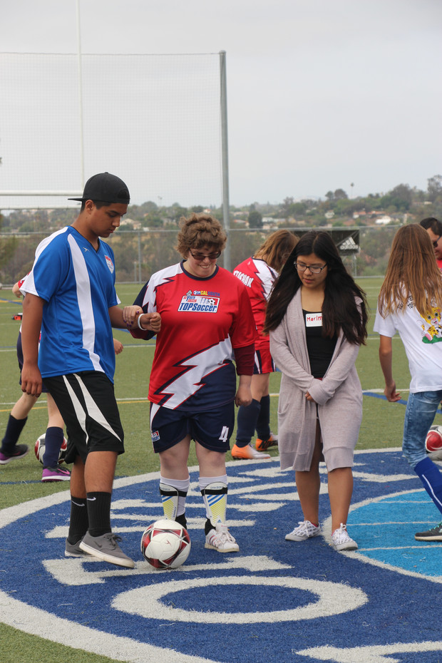 Valley Center TOPSoccer Trains with VISTA TOPSoccer
