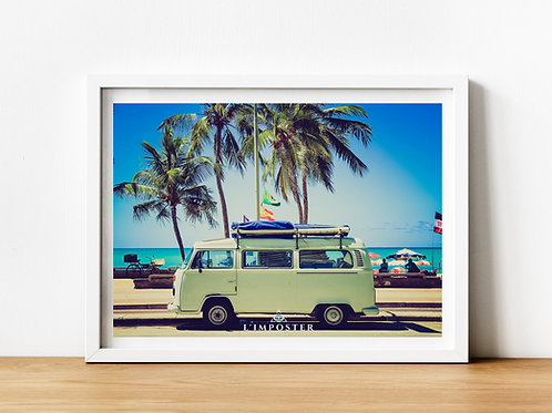 Affiche Photo d'un van sur une plage