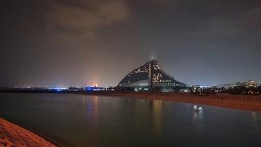 Dubai Jumeirah Hotel Night