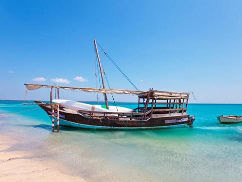 Dhow Sandbank cruise.jpg