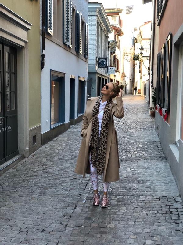 zurich fashion switzerland leopard scarf