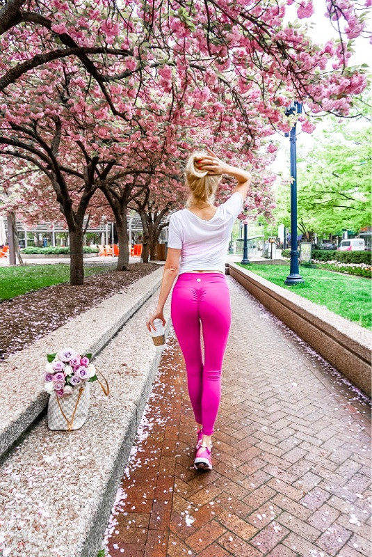 strong glutes pink leggings booteca