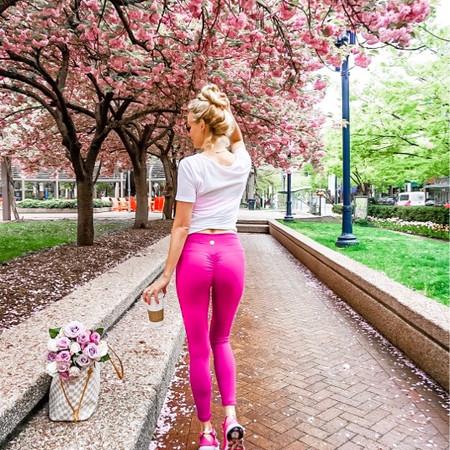 Review of Booteca Scrunch Butt Workout Leggings