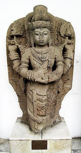 318px-Vishnu_Kediri.jpg
