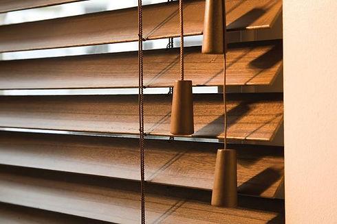 wood-venetian-blinds.jpg