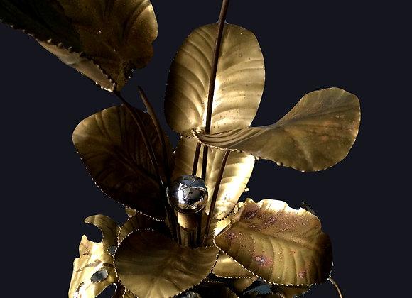 Sculptural gilded leaf lamp