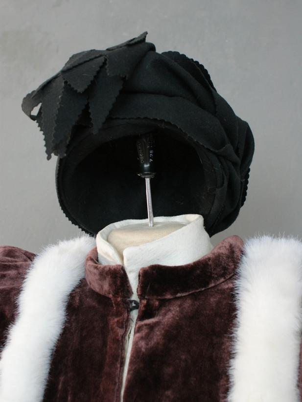 Reproduzierte Kopfbedeckung aus dem 15. Jahrhundert (Italien).