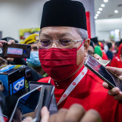 Annuar Musa hits out at Umno colleagues, accusing them of trying to ally with PKR, DAP for self-interest