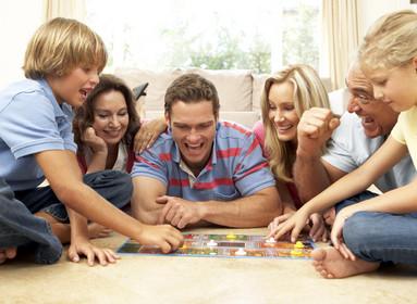 Opções lúdicas e construtivas para passar tempo de qualidade em família