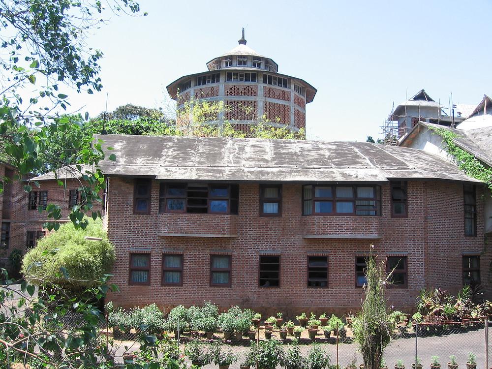 LAURIE BAKER'S CENTRE FOR DEVELOPMENT STUDIES (CDS), TRIVANDRUM