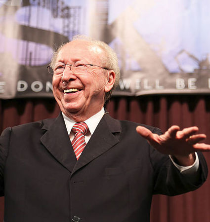 Senior Pastor Wayman Mitchell