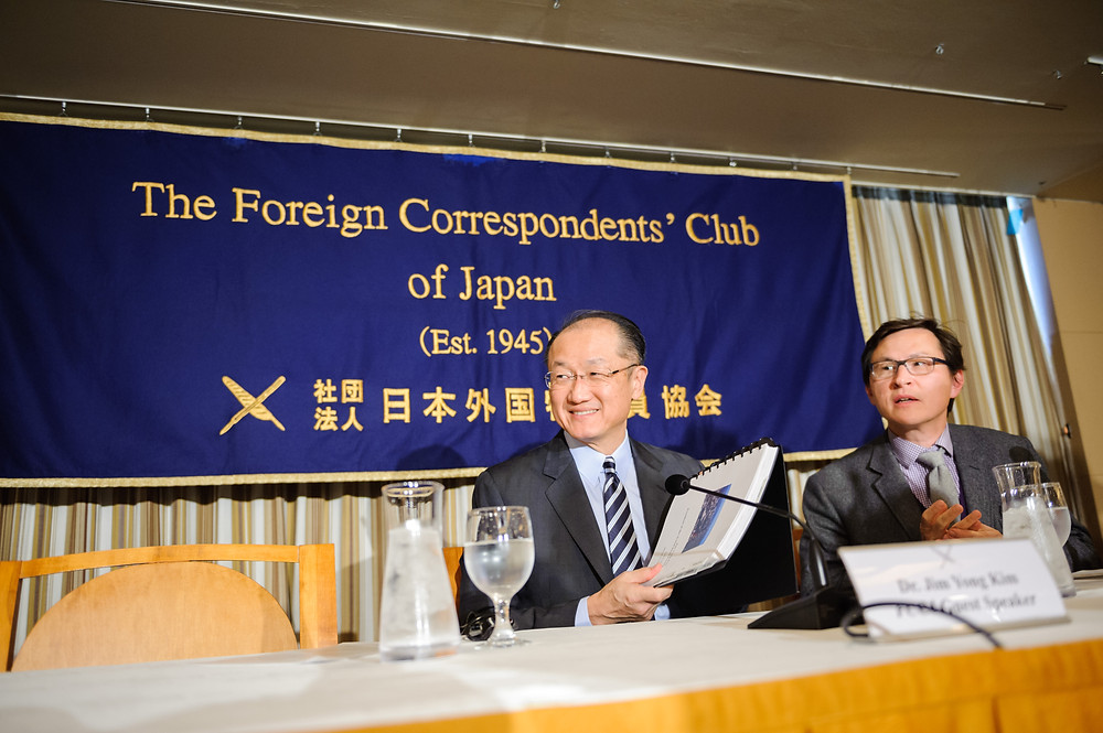 World Bank Group President Jim Yong Kim speaks at the Foreign Correspondents Club of Japan. March 13, 2015 - Tokyo, Japan. World Bank Group President Jim Yong Kim speaking at the Foreign Correspondents' Club of Japan about Japan's strong expertise in Disaster Risk Management (DRM) and Universal Health Coverage (UHC). Photo: Antony Tran / World Bank Group