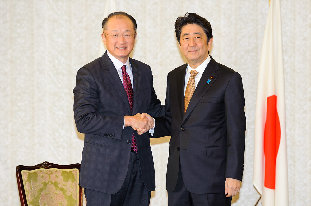 World Bank Group President Jim Yong Kim meets with Japanese Prime Minister Shinzo Abe  December 16, 2015 - Tokyo, Japan. World Bank Group President Jim Yong Kim meeting with Japanese Prime Minister Shinzo Abe. Photo: Antony Tran / World Bank