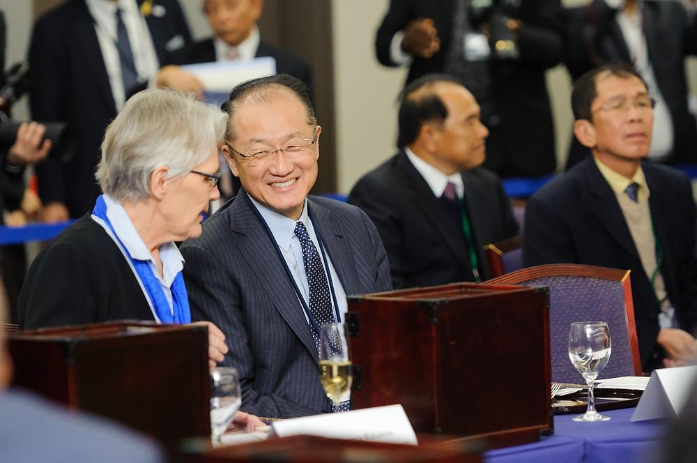 World Bank Group President Jim Yong Kim and Japan International Cooperation Agency (JICA) President Akihiko Tanaka meeting with JICA staff. Photo: Antony Tran / World Bank