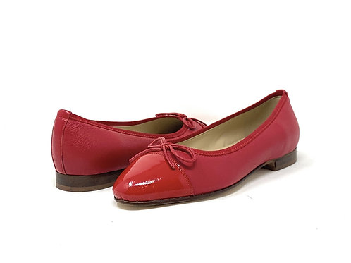BUCKLES | ELIZABETH | RED LEATHER/ PATENT TIP