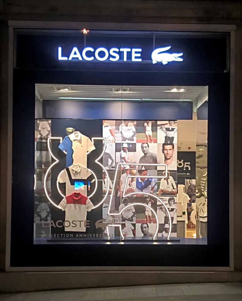 Lettrages lumineux - Lacoste