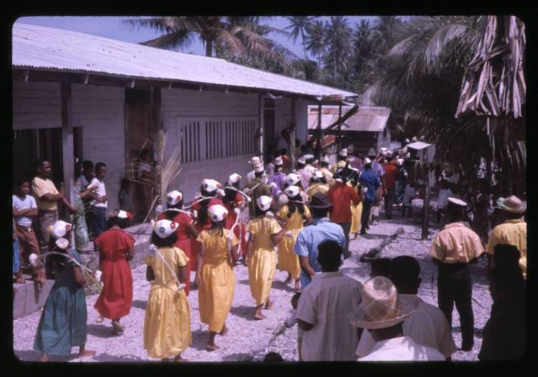 Christmas festivities, 12-25-1963 - Photo by Robert Kiste, Source -Robert C Kiste Collection, UHawai