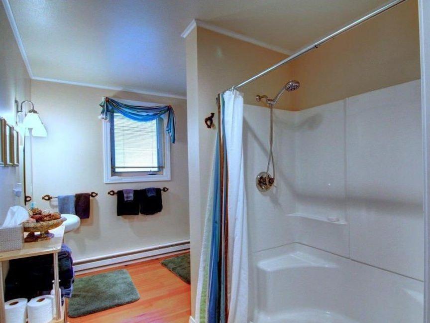 Bath - upstairs