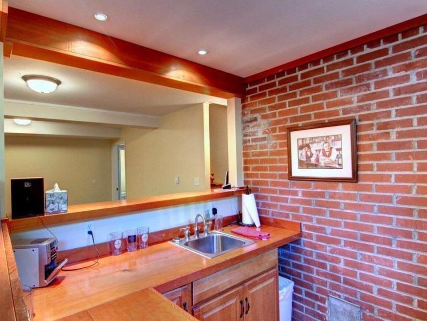 Bar - downstairs