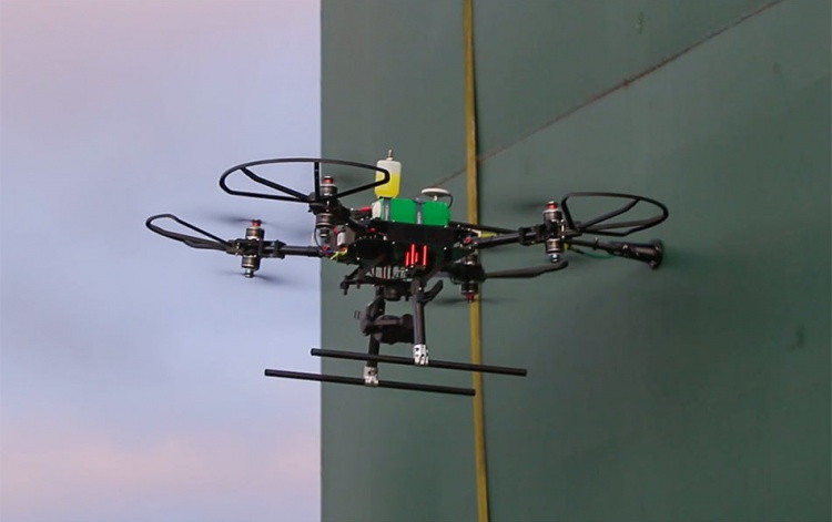 The world's first UT (Ultrasonic Thickness Testing) integrated UAV system.