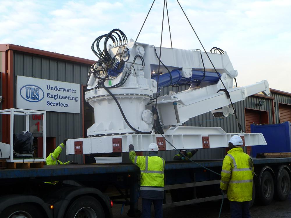 UES Seanic engineers complete the refurbishment of client's marine crane