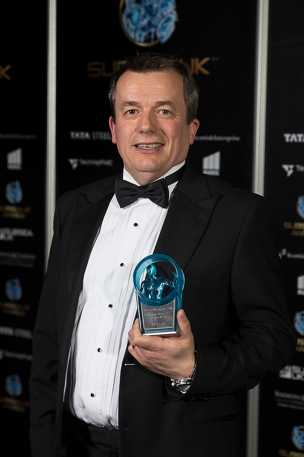 Ian Smith, Proserv's Region President UK and Europe, with the Innovation and Technology award.