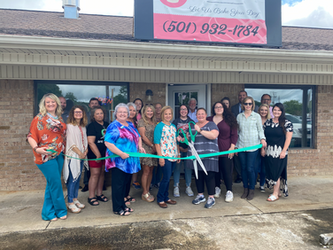 The Chamber Welcomes Momma Mytar's to Greenbrier